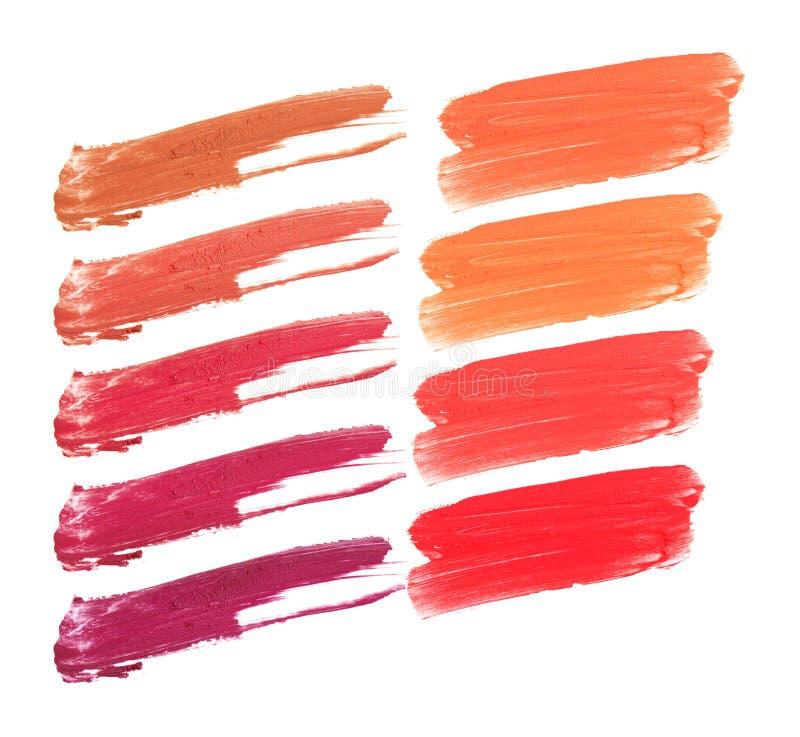 Collage des dekorativen Kosmetiklippenstifts auf weißem Hintergrund Schönheit und Make-upkonzept lizenzfreie stockfotografie