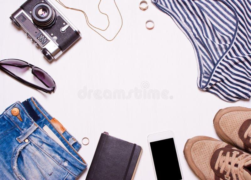 Collage di women& x27; s, men& x27; accessori di s, abbigliamento fotografia stock