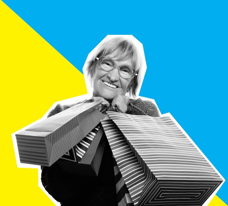 Collage i tidskriftstil Lycklig hög kvinna med shoppingpåsar fotografering för bildbyråer