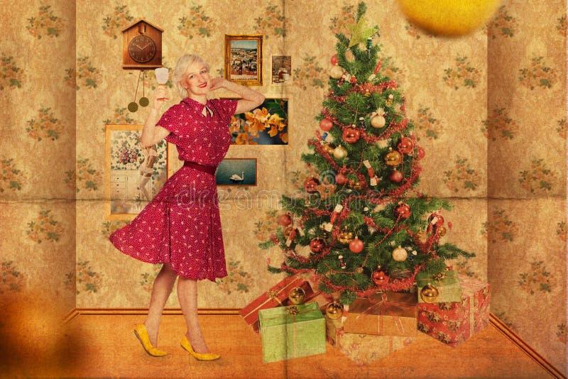 Collage mit junger Frau der Schönheit, Weinlese stockbilder