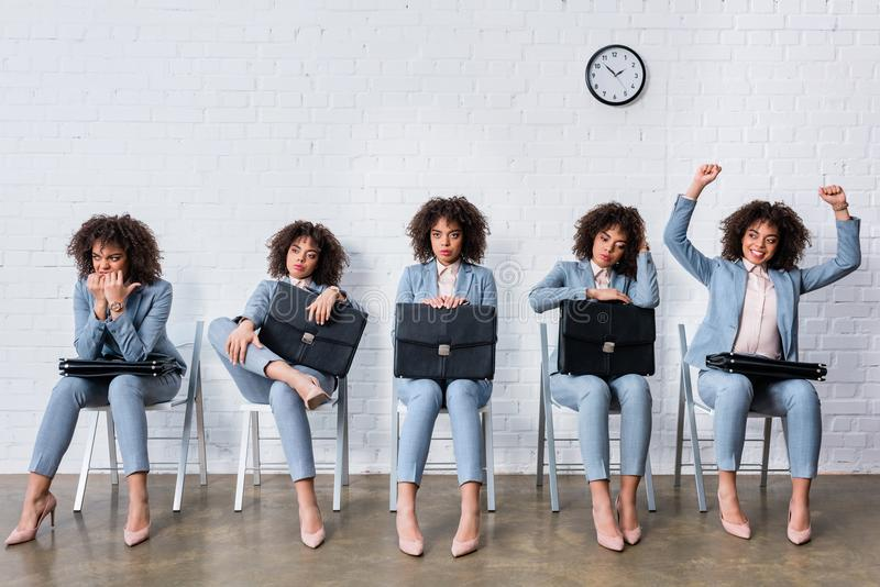 Collage mit weiblichem Kandidaten mit Aktenkofferwarteinterview stockfotos