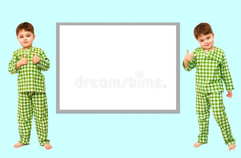 collage Stellung des kleinen Jungen in den Pyjamas, die Zeichen der Zustimmung zeigen, m?gen stockbild