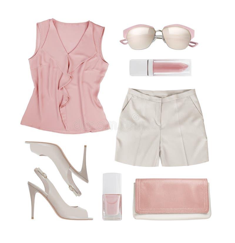 Collage van de kleren en de toebehoren van de zomervrouwen op wit worden geïsoleerd dat royalty-vrije stock foto