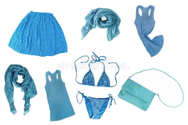 collage van modieuze blauwe vrouwelijke kleren en toebehorenisola stock fotografie