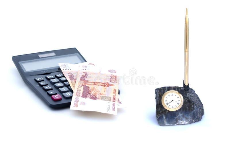 Collage van tabletpen, calculator, geld en horloge op witte achtergrond wordt geïsoleerd die stock foto