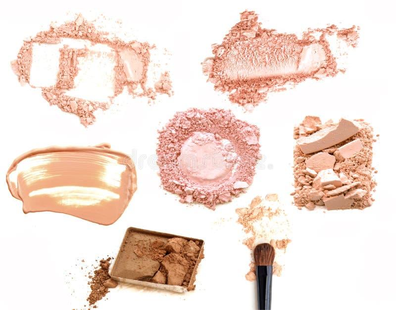 Collage von dekorativen Kosmetik auf weißem Hintergrund Schönheit und Make-upkonzept lizenzfreies stockbild