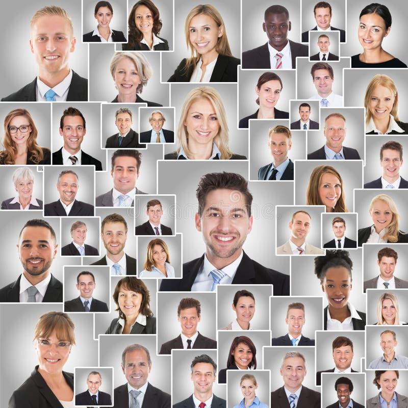 Collage von lächelnden Wirtschaftlern stockfotografie