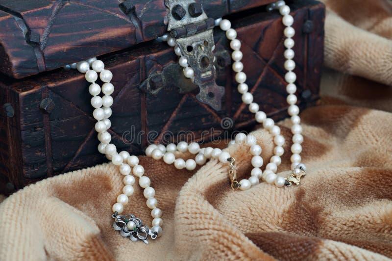 Collana della perla fotografie stock