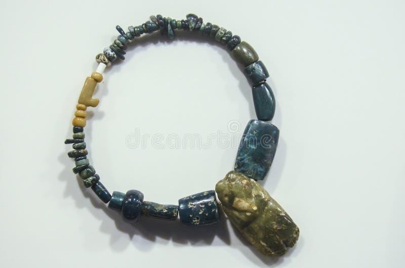 Collar antiguo de Costa Rica hecho del jade por los naturales fotos de archivo libres de regalías