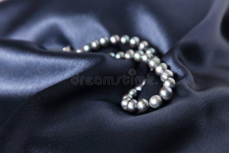 Collar de la perla negra foto de archivo libre de regalías
