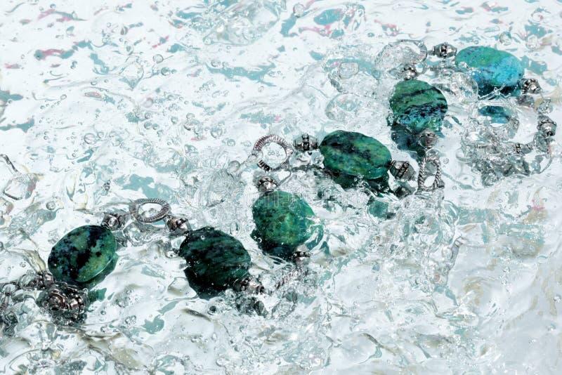 Collar del azul del agua fotografía de archivo libre de regalías