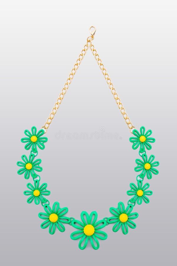 Collar plástico flor de cinco beige libre illustration