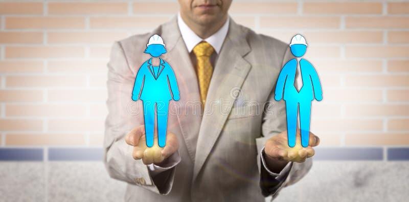 Collare blu maschio di Equating Female And del negoziatore fotografie stock libere da diritti