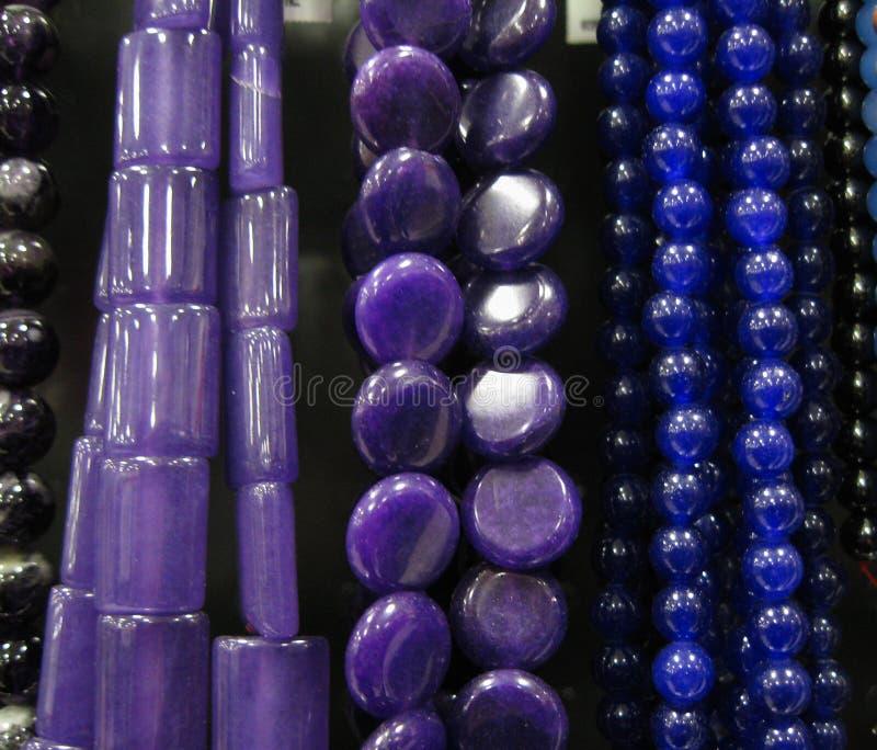 Collares moldeados púrpuras fotografía de archivo libre de regalías