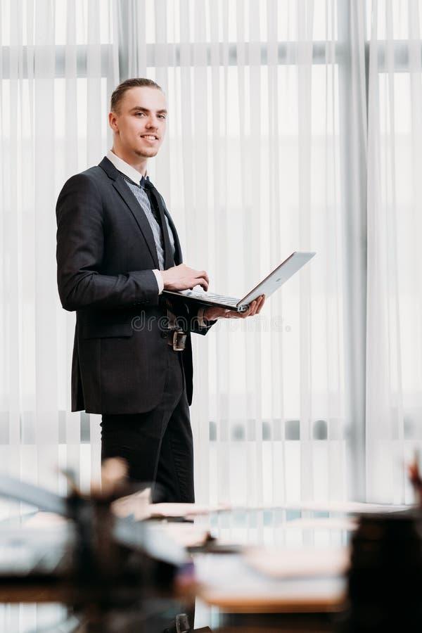 Collectief de managerbureau van het bedrijfsanalistenwerk stock afbeeldingen