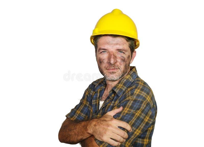 Collectief portret van bouwvakker - aantrekkelijke en gelukkige bouwersmens in veiligheidshelm zeker glimlachen zoals succesvol stock afbeelding