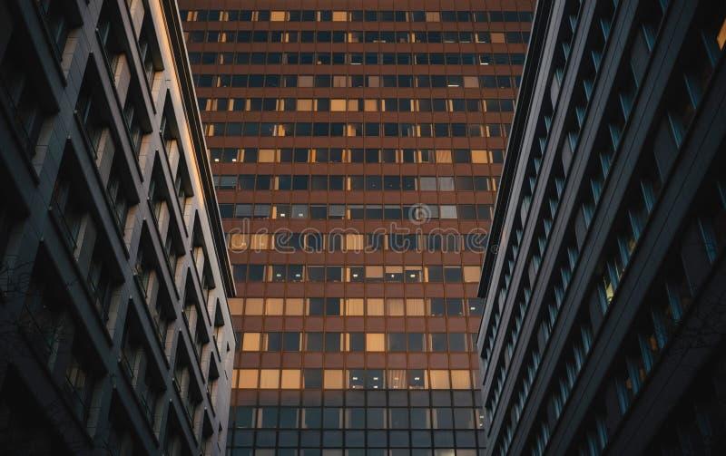 Collectieve bureaugebouwen stock foto