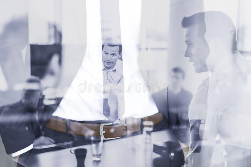Collectieve commerciële, ondernemerschaps en commerciële team conceptul collage stock afbeeldingen