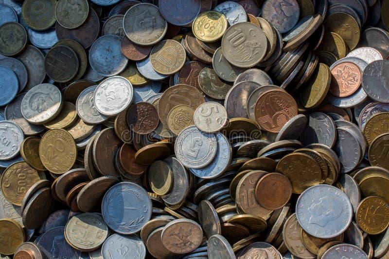 Download Collectiions Velhos Da Moeda Do Metal Imagem de Stock - Imagem de indústria, renda: 107526727
