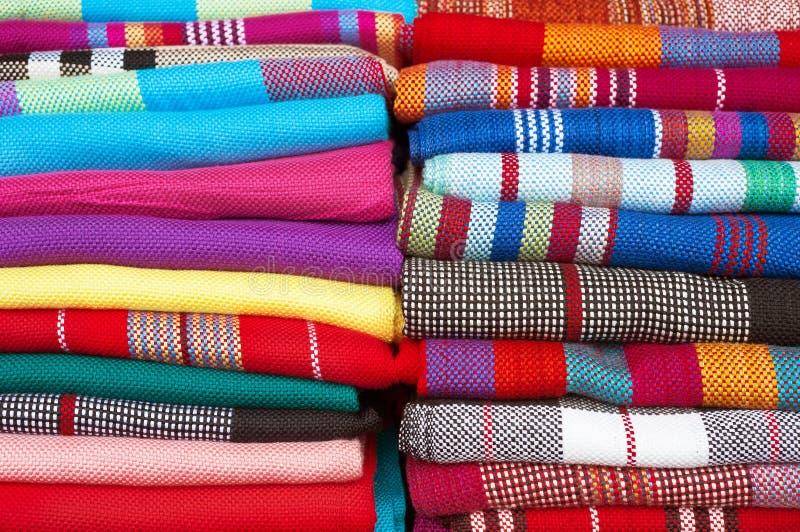 Collection d'écharpes de laine colorées photos libres de droits