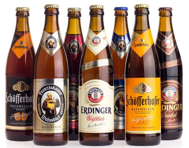 Collection de bières de blé allemand sur le blanc photo libre de droits