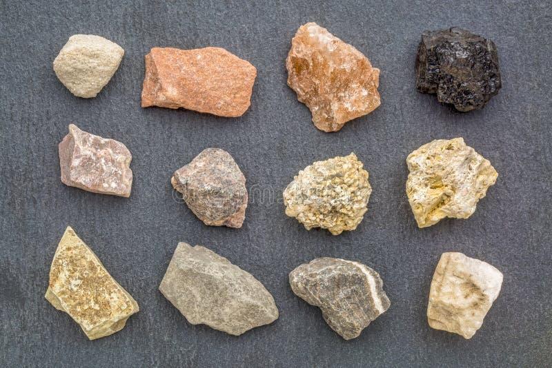 Collection de géologie de roche sédimentaire photos stock