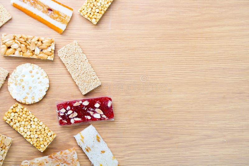 Collection de sucreries et de bonbons Mawlid Halawa de haricots images stock