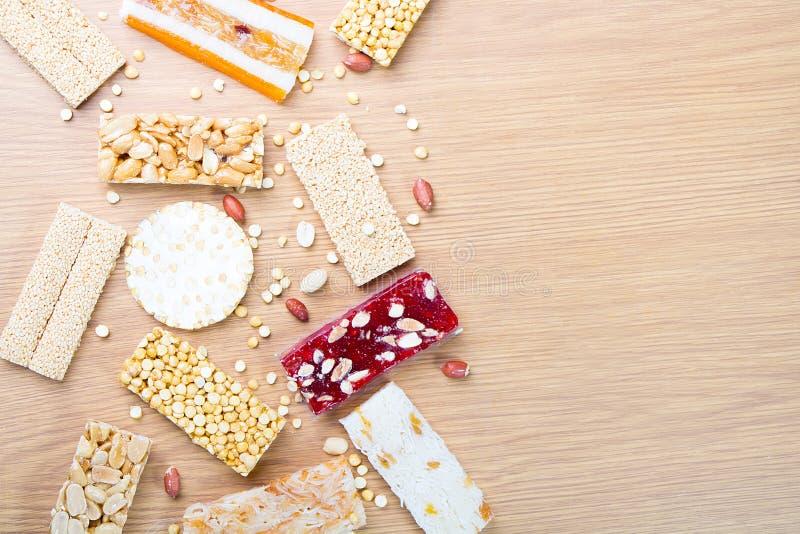 Collection de sucreries et de bonbons Mawlid Halawa de haricots photo stock
