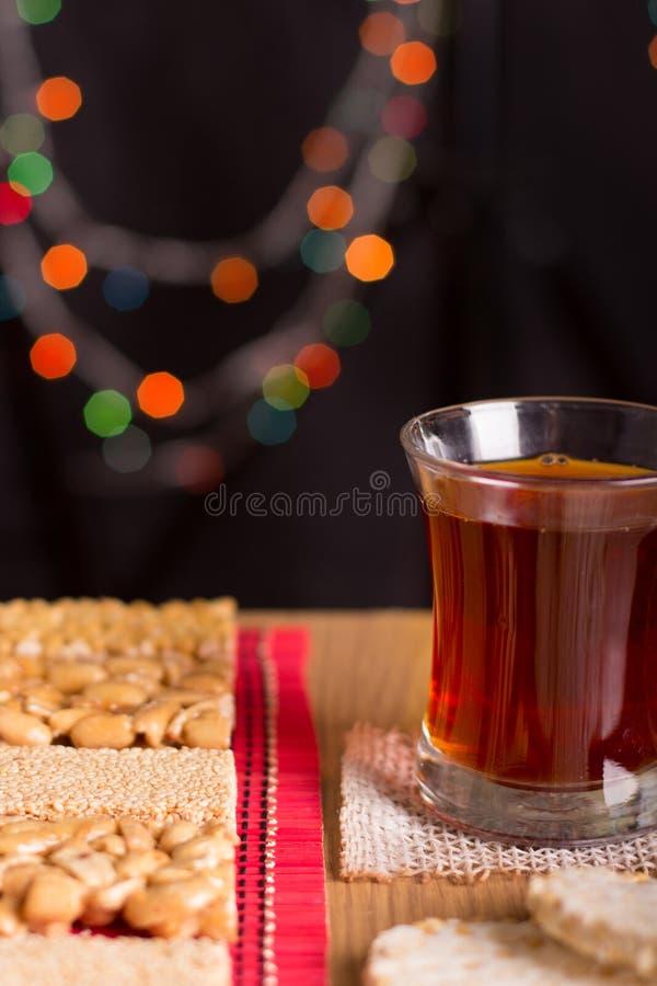 Collection de sucreries de haricots et de bonbons Mawlid Halawa avec du Cu image stock