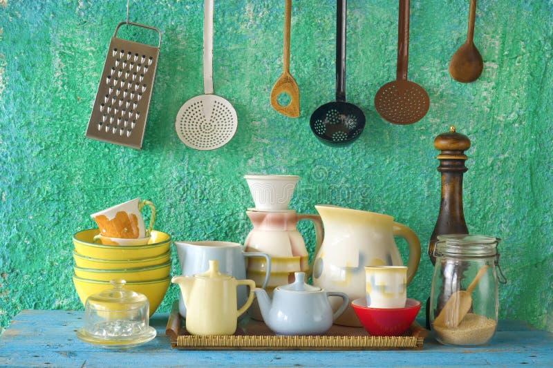 Collection de vaisselle de cuisine de vintage photo libre de droits