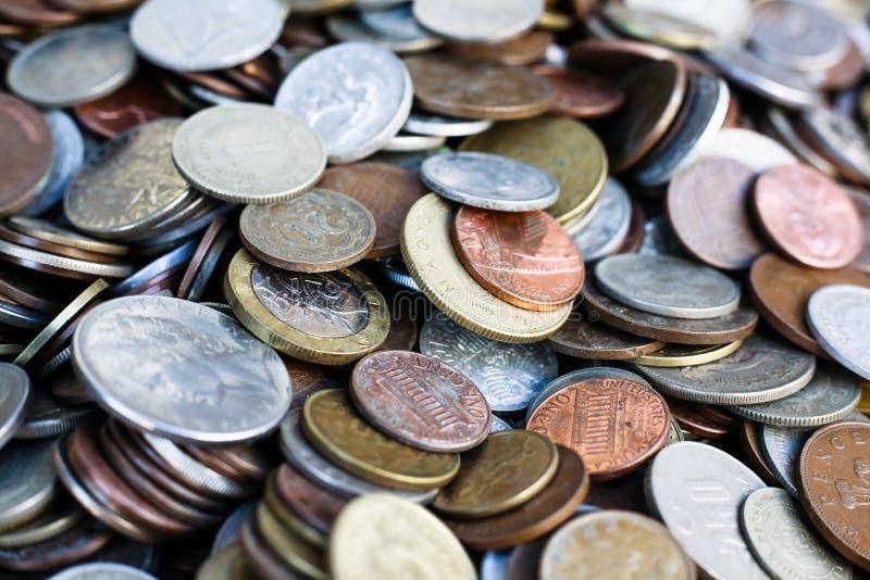 Collection nouvelle et de vintage du monde de pièces de monnaie photos libres de droits