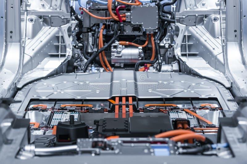Collegamenti del pacchetto e di potere della batteria al litio dell'automobile elettrica Blu tonificato immagine stock