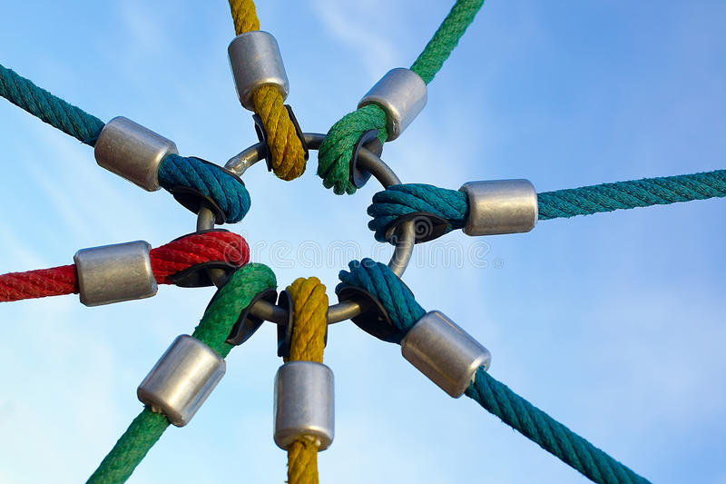Collegamenti della corda sull'anello immagine stock libera da diritti
