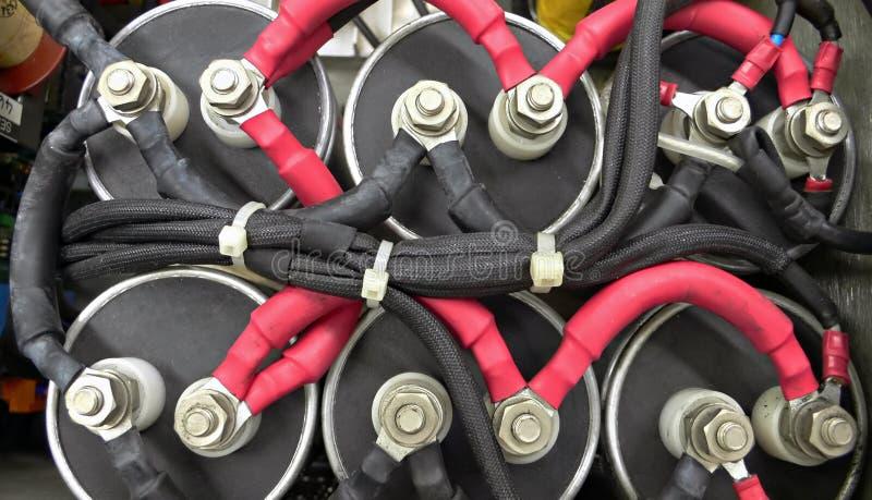 Collegamenti elettrici ad alta tensione fotografie stock