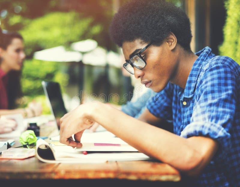 College-Kommunikations-Bildungsplanung, die Konzept studiert lizenzfreie stockfotografie