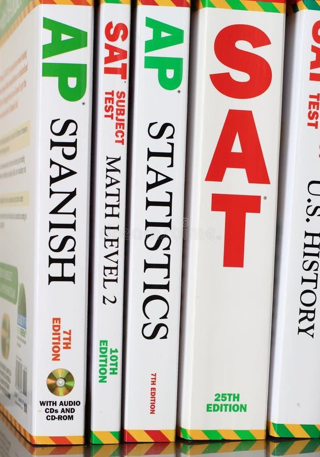 College-Test-Vorbereitungs-Bücher lizenzfreie stockfotos