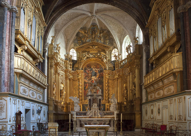 Collegiale de La Sorgue, Luberon, Provence, France de sur de L'isle images stock