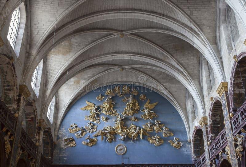 Collegiale de La Sorgue, Luberon, Provence, France de sur de L'isle photos libres de droits
