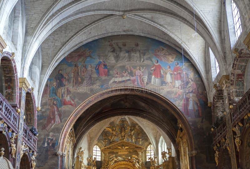 Collegiale de La Sorgue, Luberon, Provence, France de sur de L'isle photographie stock