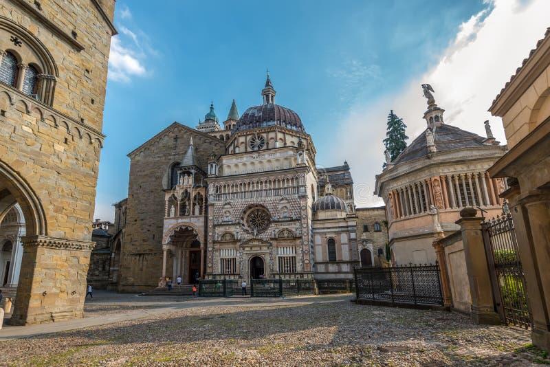 Colleoni kapellkyrka och mausoleum, Bergamo, Italien royaltyfri fotografi