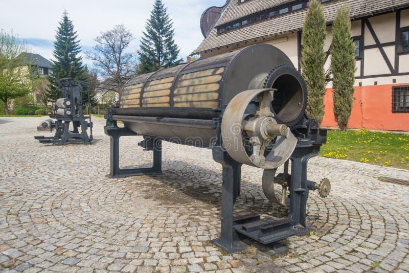 Collettore del nodo vicino alla cartiera in Duszniki Zdroj in Polonia immagini stock