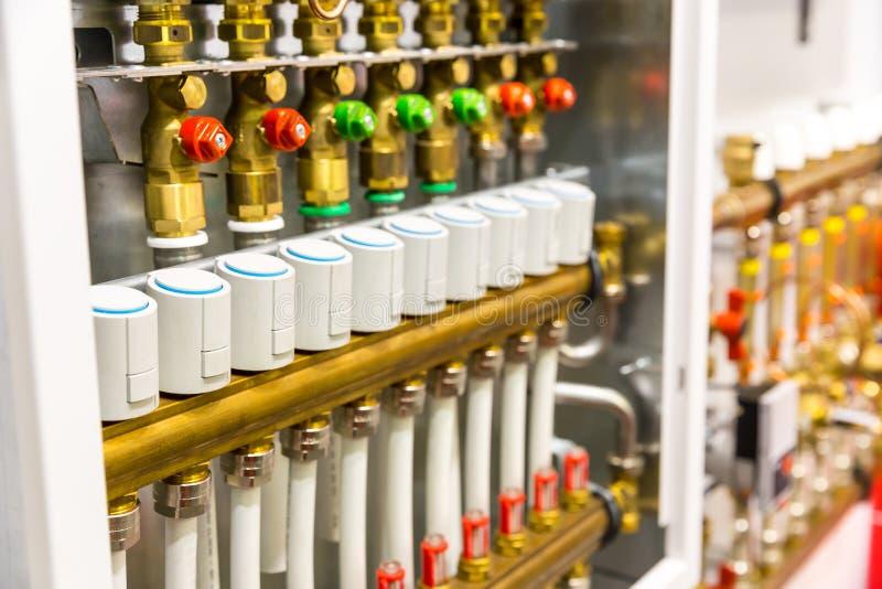 Collettore del sistema del pavimento del riscaldamento immagine stock libera da diritti