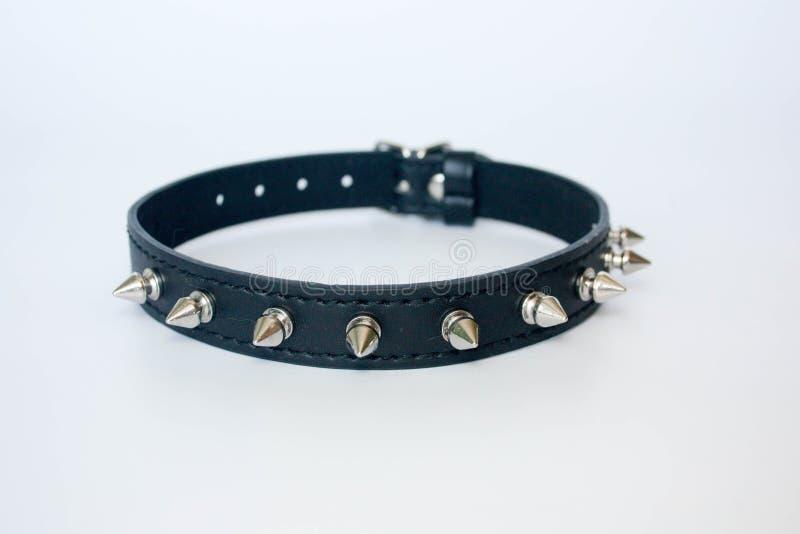 collier avec des épines noir avec des épines photographie stock libre de droits