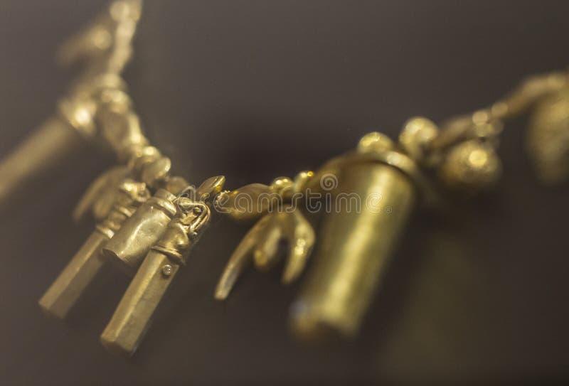 Collier avec la perle de tête de horus de l'amas de Tartessos d'Aliseda, C photos stock