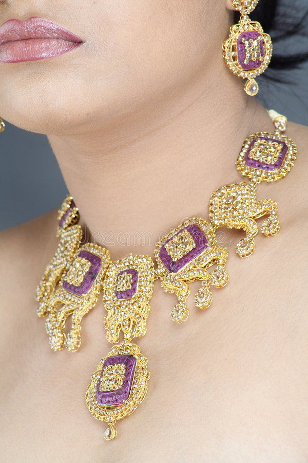 Collier d'or image stock