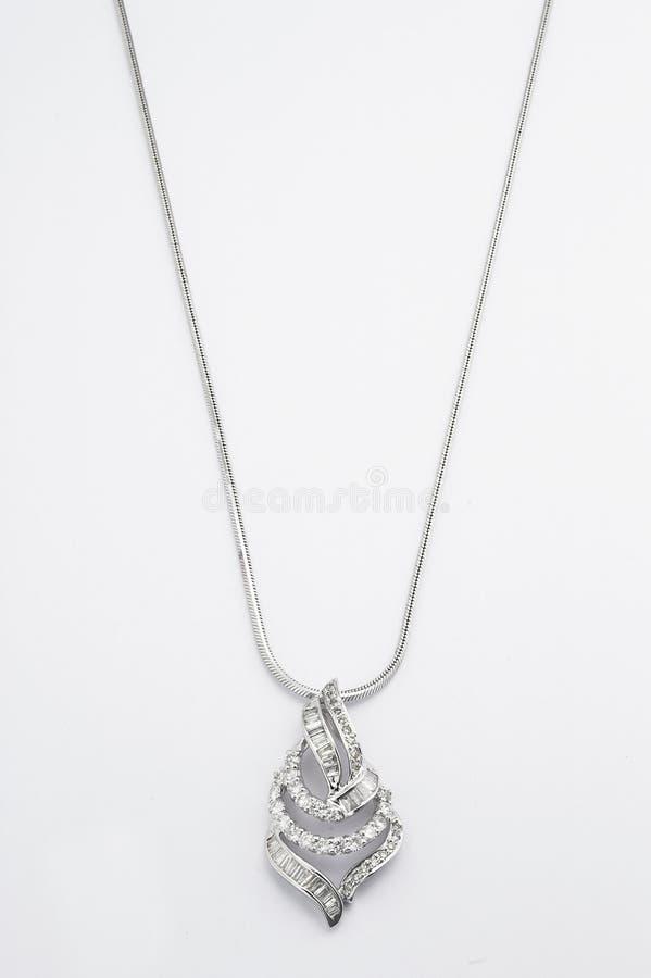 Collier de platine avec le pendant de diamant images libres de droits