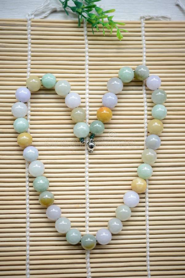 Collier des perles de jade photos stock