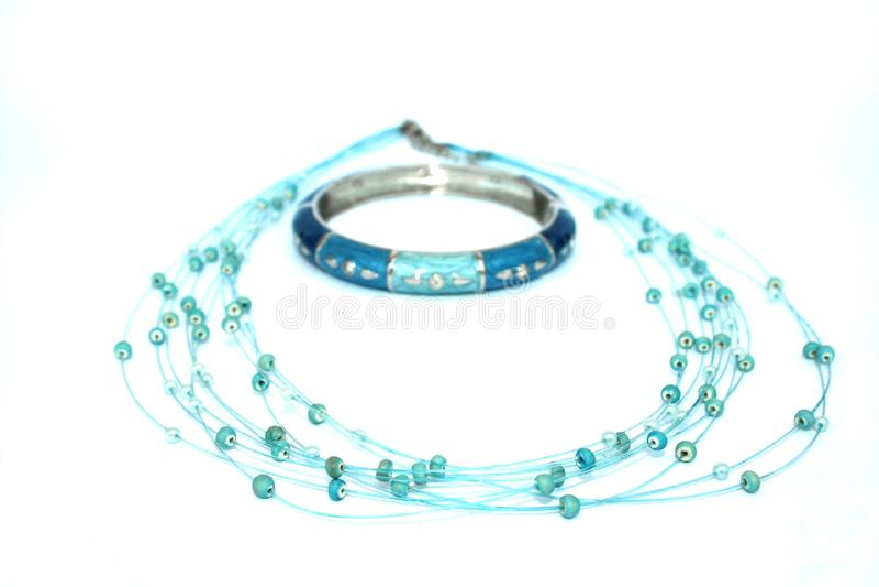 Collier et bracelet photographie stock libre de droits