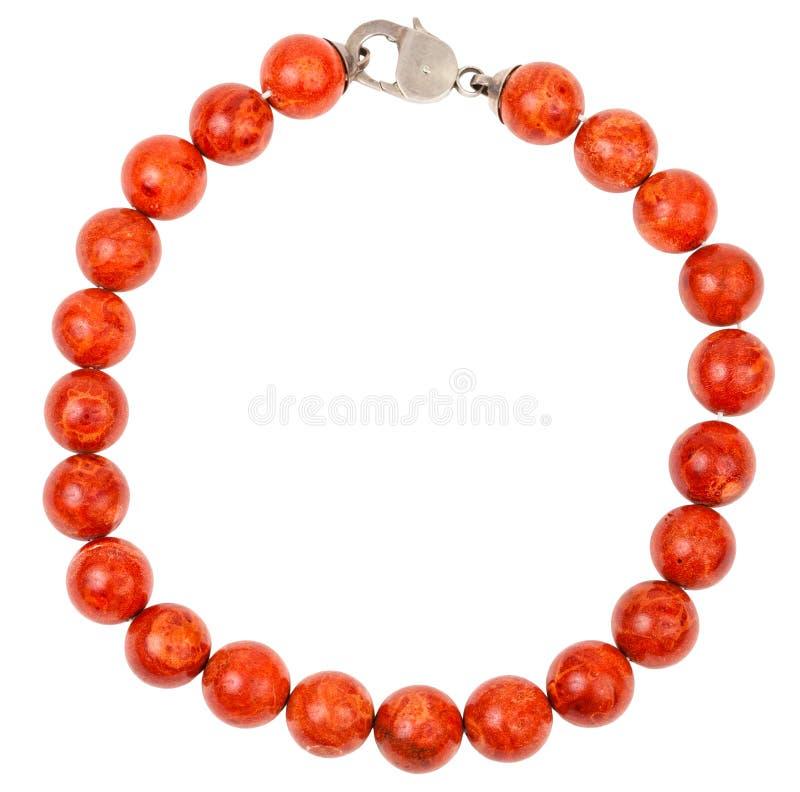 Collier rond des perles de corail rouge photo libre de droits