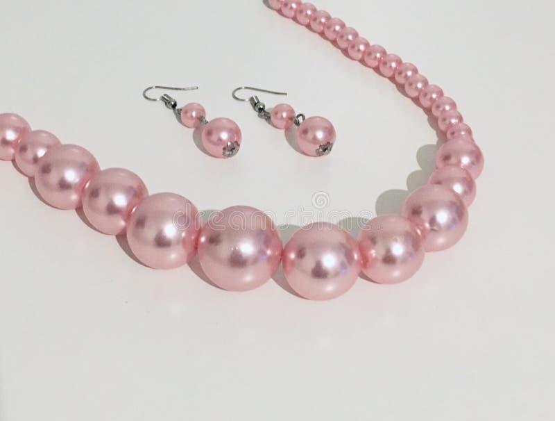 Collier rose de perle images libres de droits